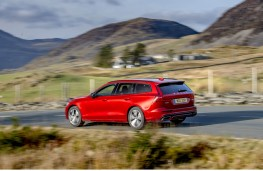 Volvo V60 R-Design, rear action 2