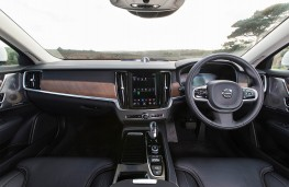Volvo V90, dashboard