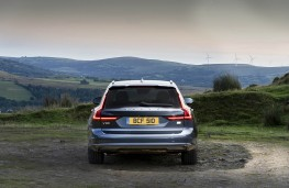 Volvo V90, full rear static