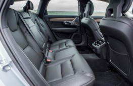 Volvo V90, rear seats