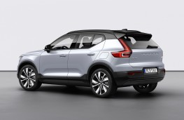 Volvo XC40 Recharge P8 AWD rear