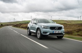 Volvo XC40, front action 2