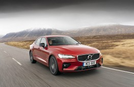 Volvo S60, front action