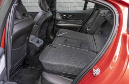 Volvo S60, seats folded