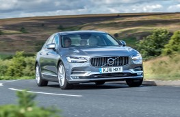 Volvo S90, front action 3