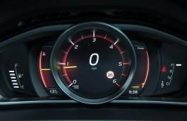 Volvo V40, dash detail