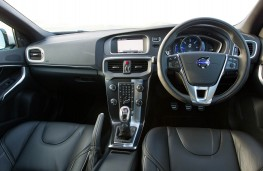 Volvo V40, dashboard