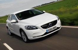 Volvo V40, front action