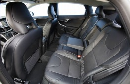Volvo V40, rear seats