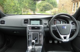 Volvo V60, dashboard