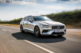 Volvo V60, front action 2