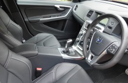 Volvo V60, front seats