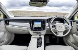 Volvo V90, dashboard