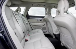 Volvo V90, rear seats