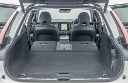 Volvo V90 Cross Country, boot 2