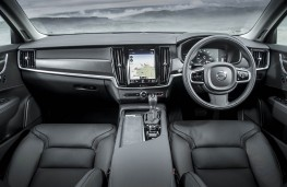 Volvo V90 Cross Country, dashboard