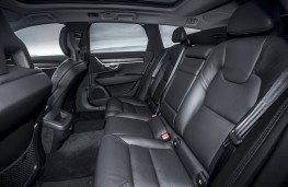 Volvo V90 Cross Country, rear seats