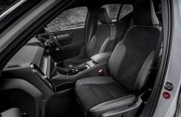 Volvo XC40, front seats