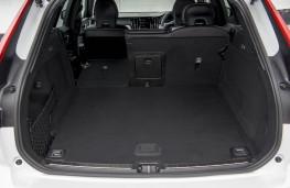 Volvo XC60 B4 R-Design AWD, interior