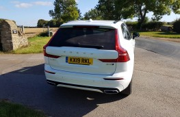 Volvo XC60 B4 R-Design AWD, rear