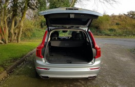 Volvo XC90 2.0 T6 Inscription, boot