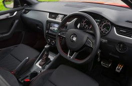 Skoda Octavia vRS 245 Estate, 2018, interior