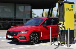 Skoda Octavia estate vRS iV, 2020, charging