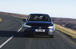 Volkswagen Golf, front action