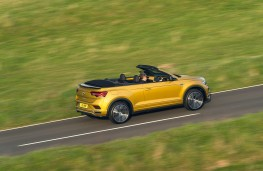 Volkswagen T-Roc Cabriolet, action from above