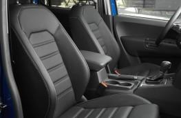 VW Amarok, front seats