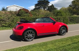 VW Beetle Cabriolet, side