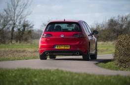 Volkswagen Golf, rear action