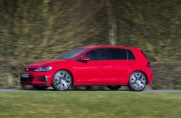 Volkswagen Golf, side action