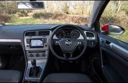 Volkswagen Golf BlueMotion 1.0 TSI, dashboard