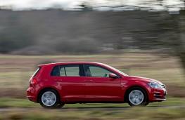 Volkswagen Golf BlueMotion 1.0 TSI, side action