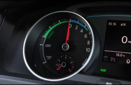VW Golf GTE, charging dial