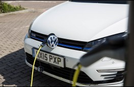 VW Golf GTE, charging