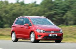 Volkswagen Golf SV, front action