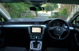 Volkswagen Passat, dashboard