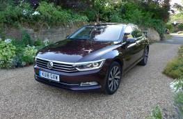 Volkswagen Passat, front static 3