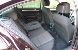 Volkswagen Passat, rear seats