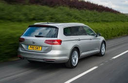 Volkswagen Passat Estate GTE, action rear