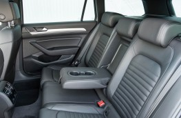 Volkswagen Passat Estate GTE, rear seats
