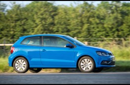 Volkswagen Polo, side action