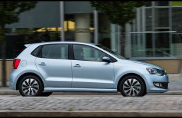 VW Polo, side action