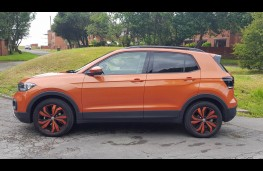 Volkswagen T-Cross 1.0 SE, side