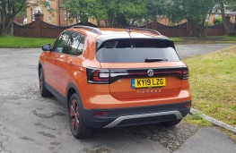 Volkswagen T-Cross 1.0 SE, rear profile