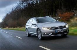 Volkswagen Passat Alltrack, front