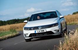 Volkswagen Passat GTE, front