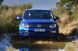 Volkswagen Amarok, front